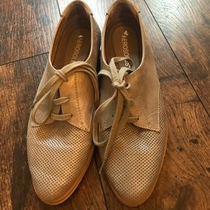Aerosole Shoes- Great Condition Size 6-